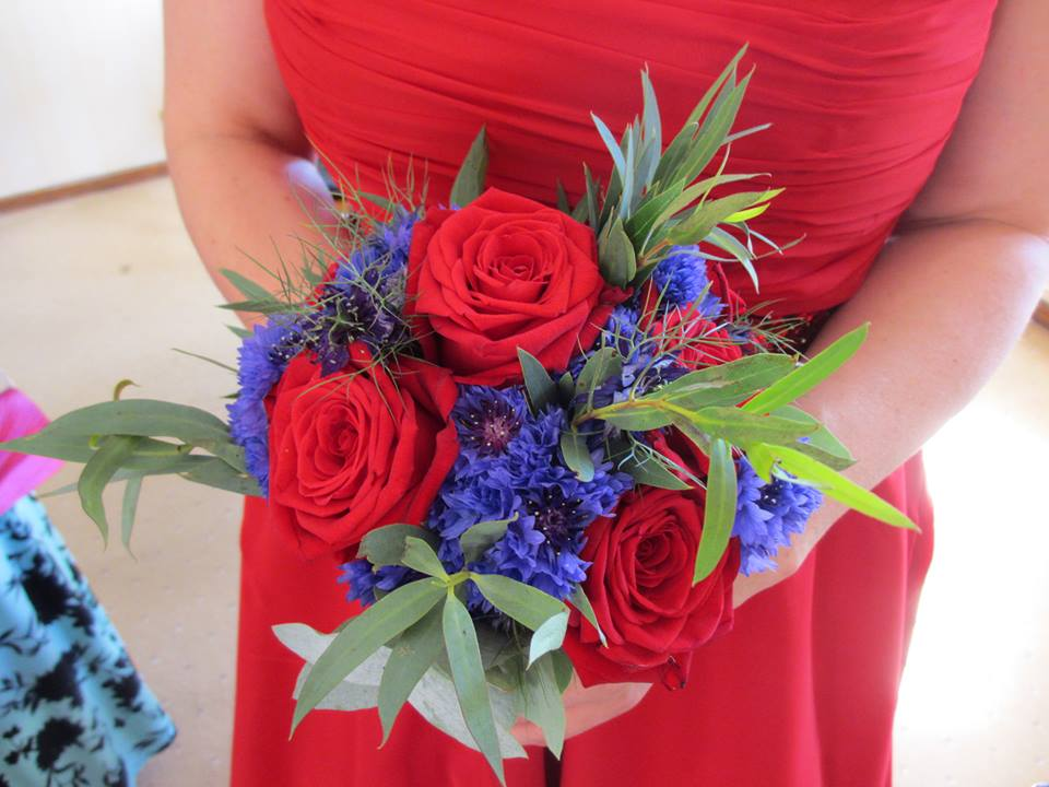 More wedding flowers...this time grown by Julia Bliss...I've never seen that roses and cornflowers combo before...top banana!